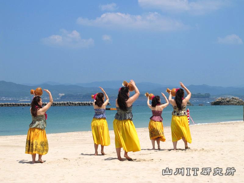 gozashirahama-hula_2014_01