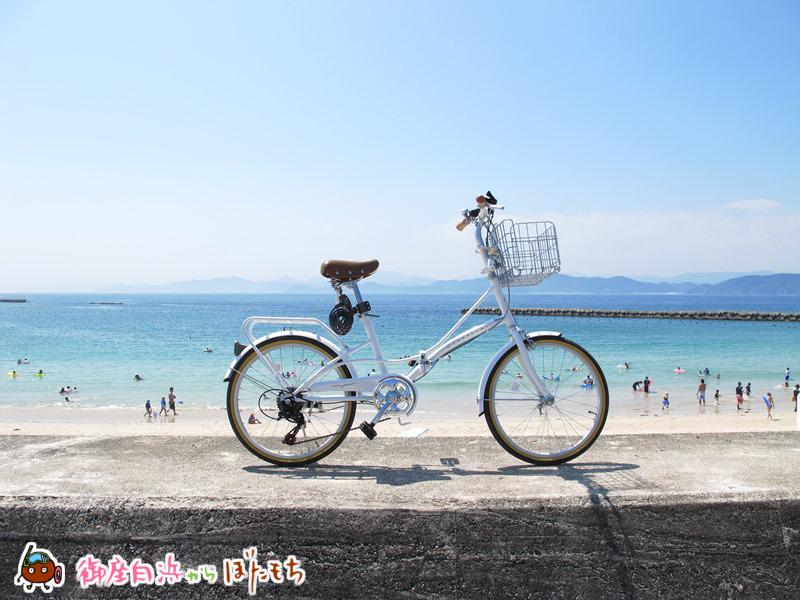 御座白浜キャンプ場前堤防にて山川IT研究所の自転車撮影